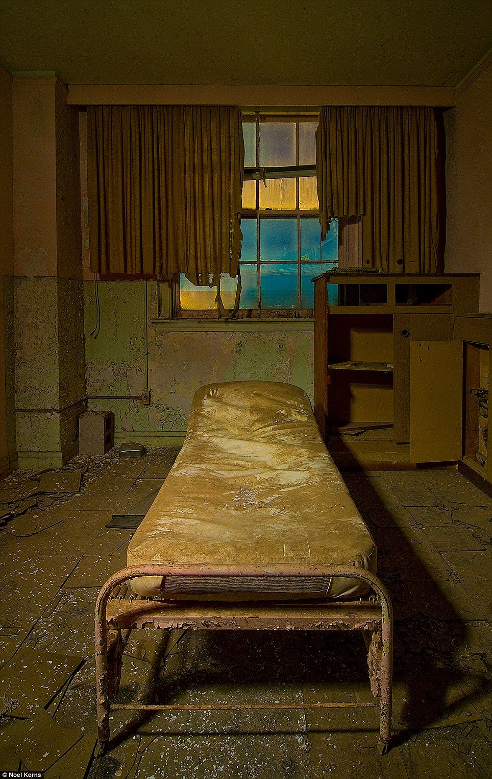Texas S Once Spectacular Baker Hotel In Ruins Haunted Hotelhaunted Placesmineral Wells