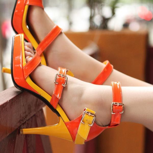 Women's Contrast Color Leather Buckle Strap High-Heeled Sandals