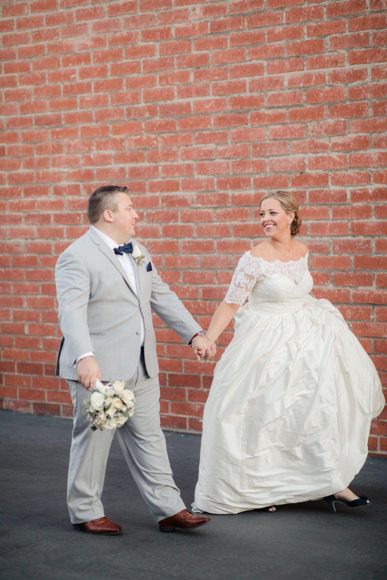 Winter wedding at smoky hollow studios los angeles california