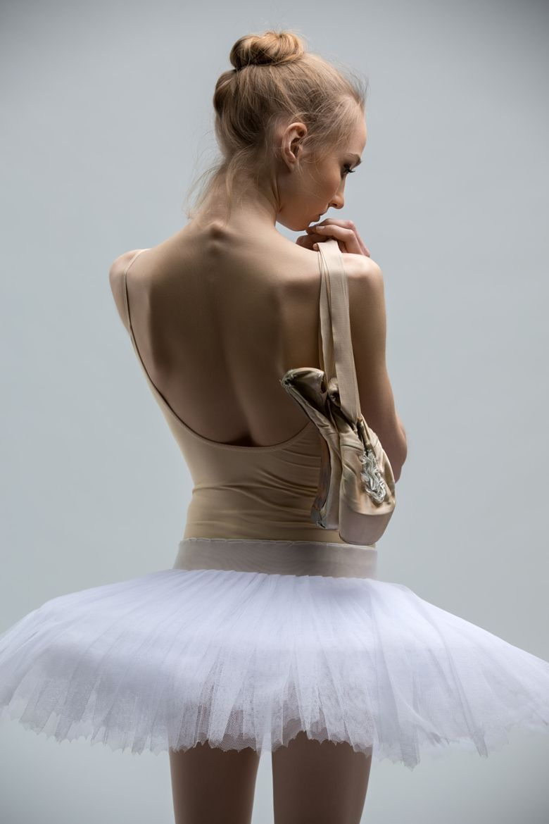 Ballerina in the white tutu by Andrey Bezuglov on 500px