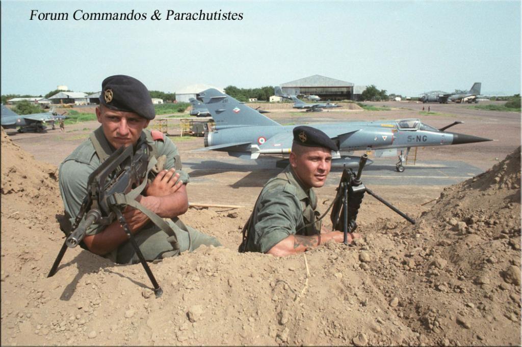 Armee De L Air Google Search Tchad Soldats Americains Armee De Terre