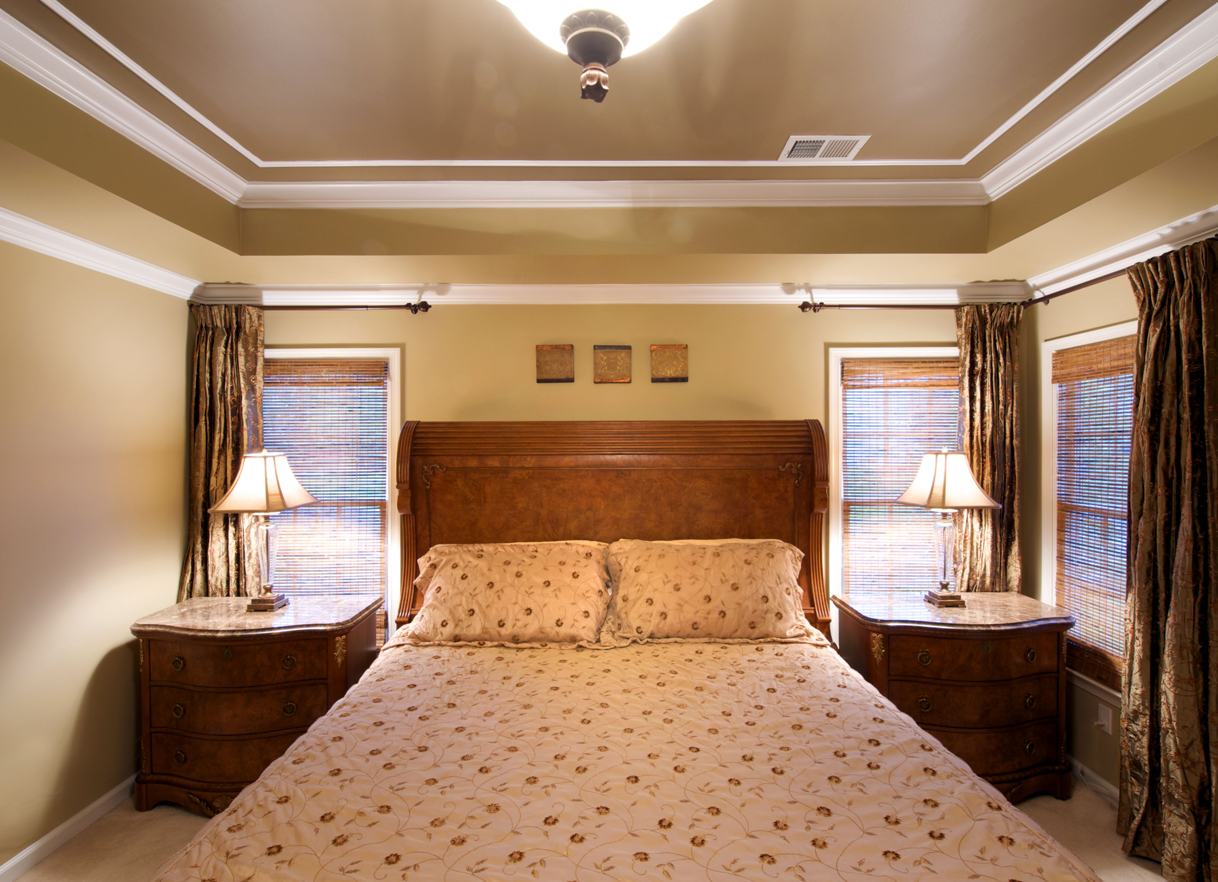 Creative Solutions for Tray Ceilings For the Home