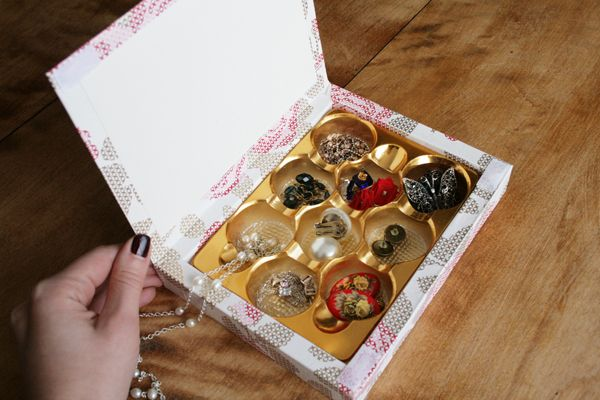 How to turn a chocolate box into a jewelry box Get organized and