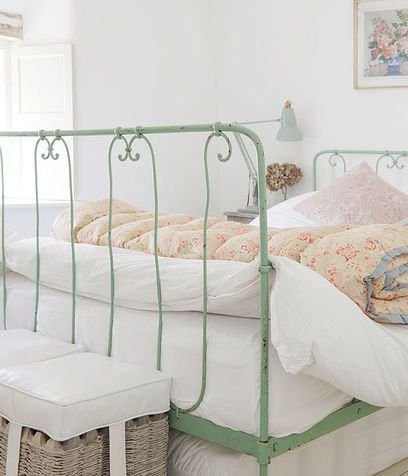 Camera da letto shabby chic | Bedroom Babe | Pinterest | Bedrooms ...