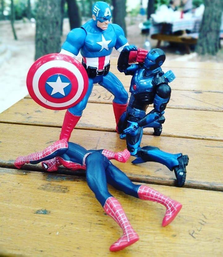 Bunlar kanka değil miydi🤔 . . . . . . . . . #avangers #hasbro #spiderman #disney #demiradam #ironman...