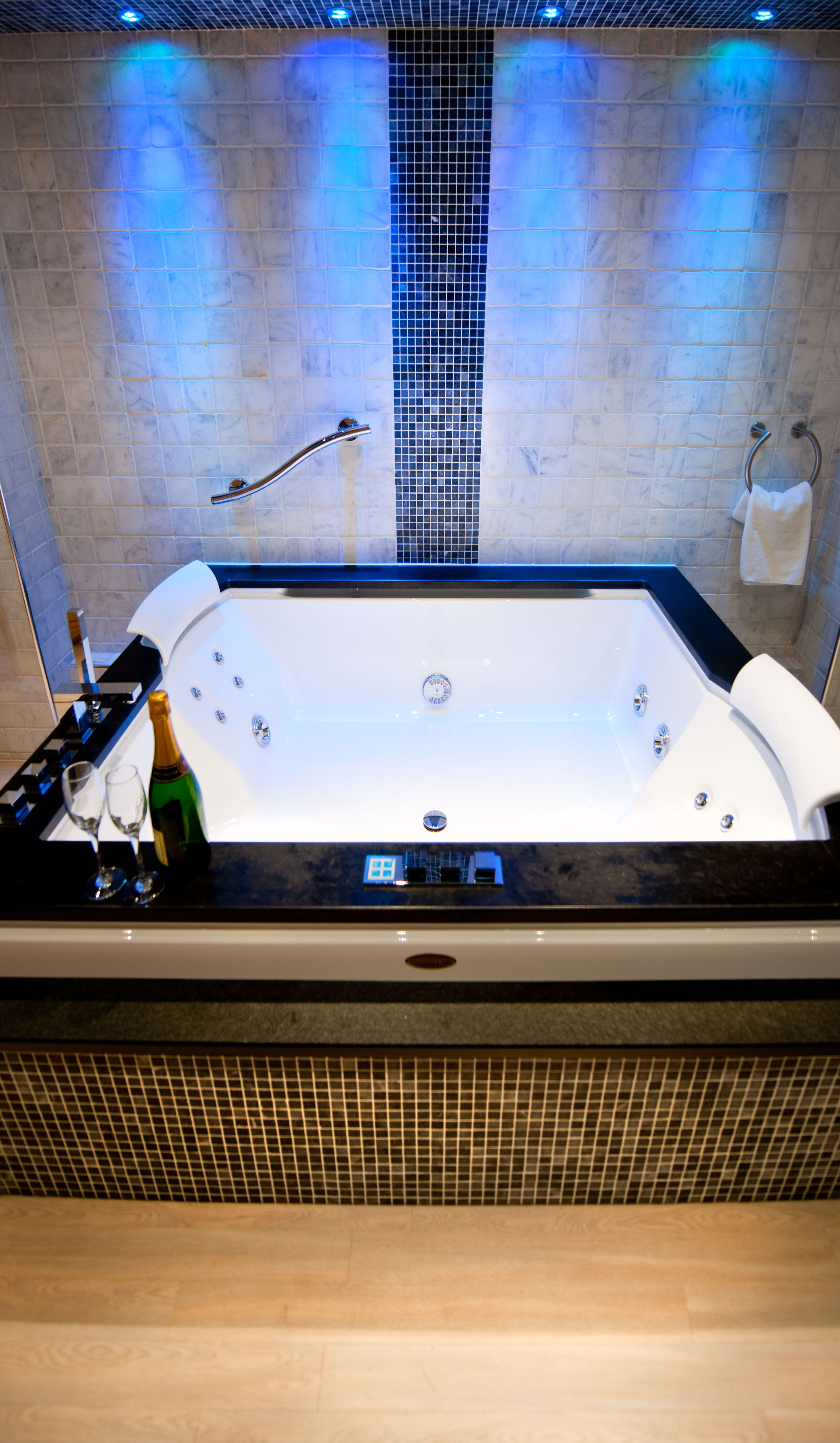 Sanctuary Spa Suite Double Jacuzzi Bath Infra Red Sauna Spa Style Bathroom Spa Bathroom Design Jacuzzi Bath