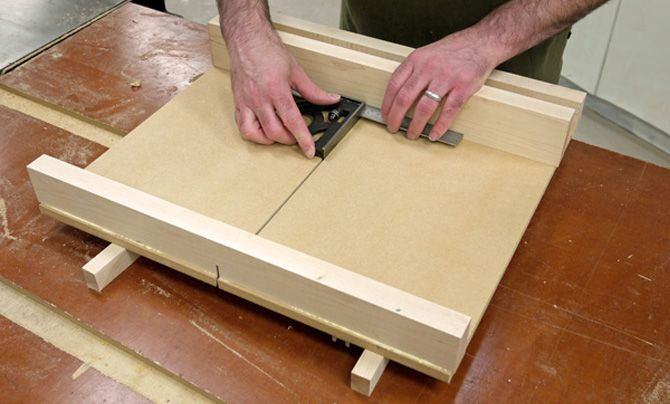 Learn How To Build A Crosscut Sled For Your Tablesaw That S