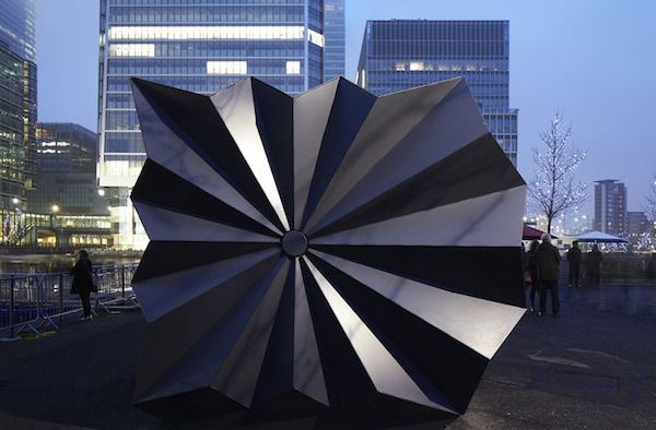 Exquisite Origami-Inspired Kiosks In London's Canary Wharf - DesignTAXI.com