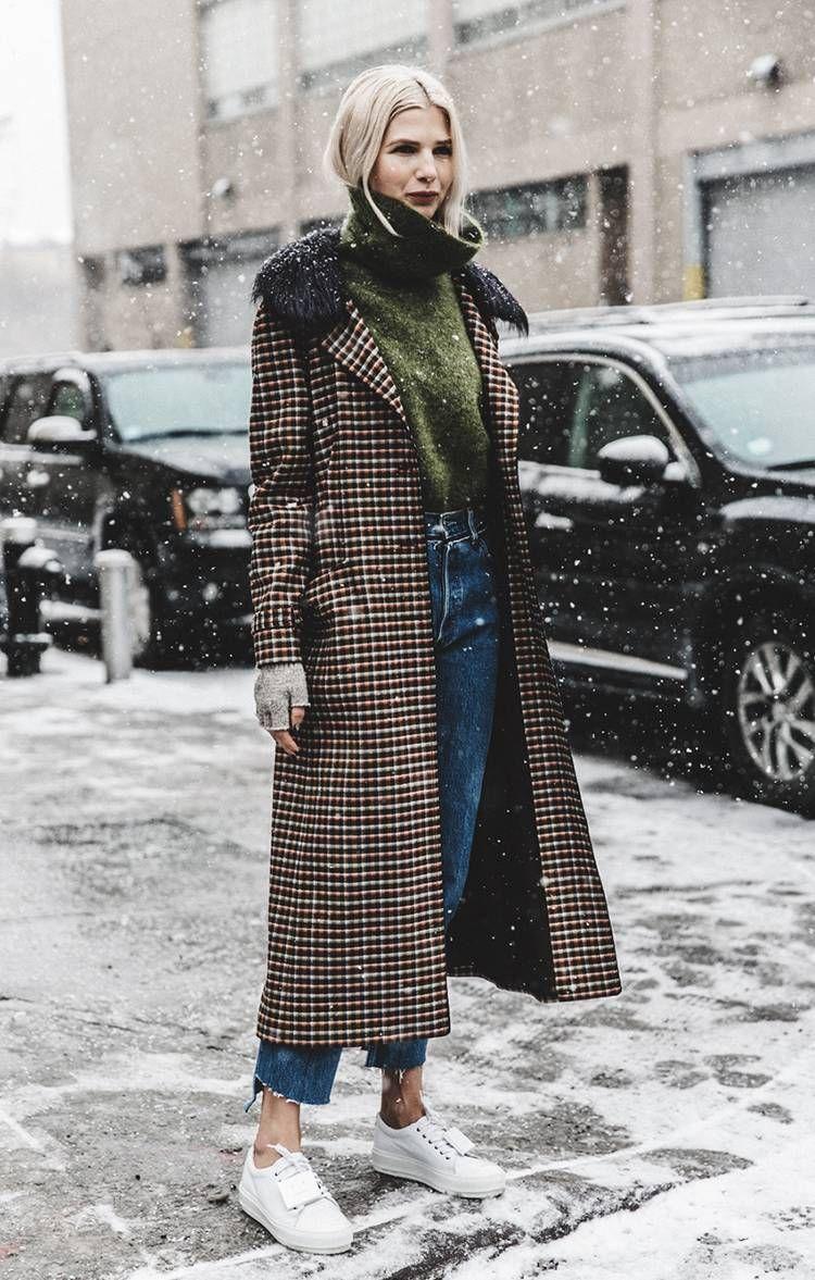 cbd20e689da0 Outfit mit Karo-Mantel, sportlicher Look  ootd  lotd  fashion Herbst   Winter 2017 weiße Sneaker