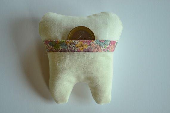 petit crin pour dents tui pour petite souris liberty enfants. Black Bedroom Furniture Sets. Home Design Ideas