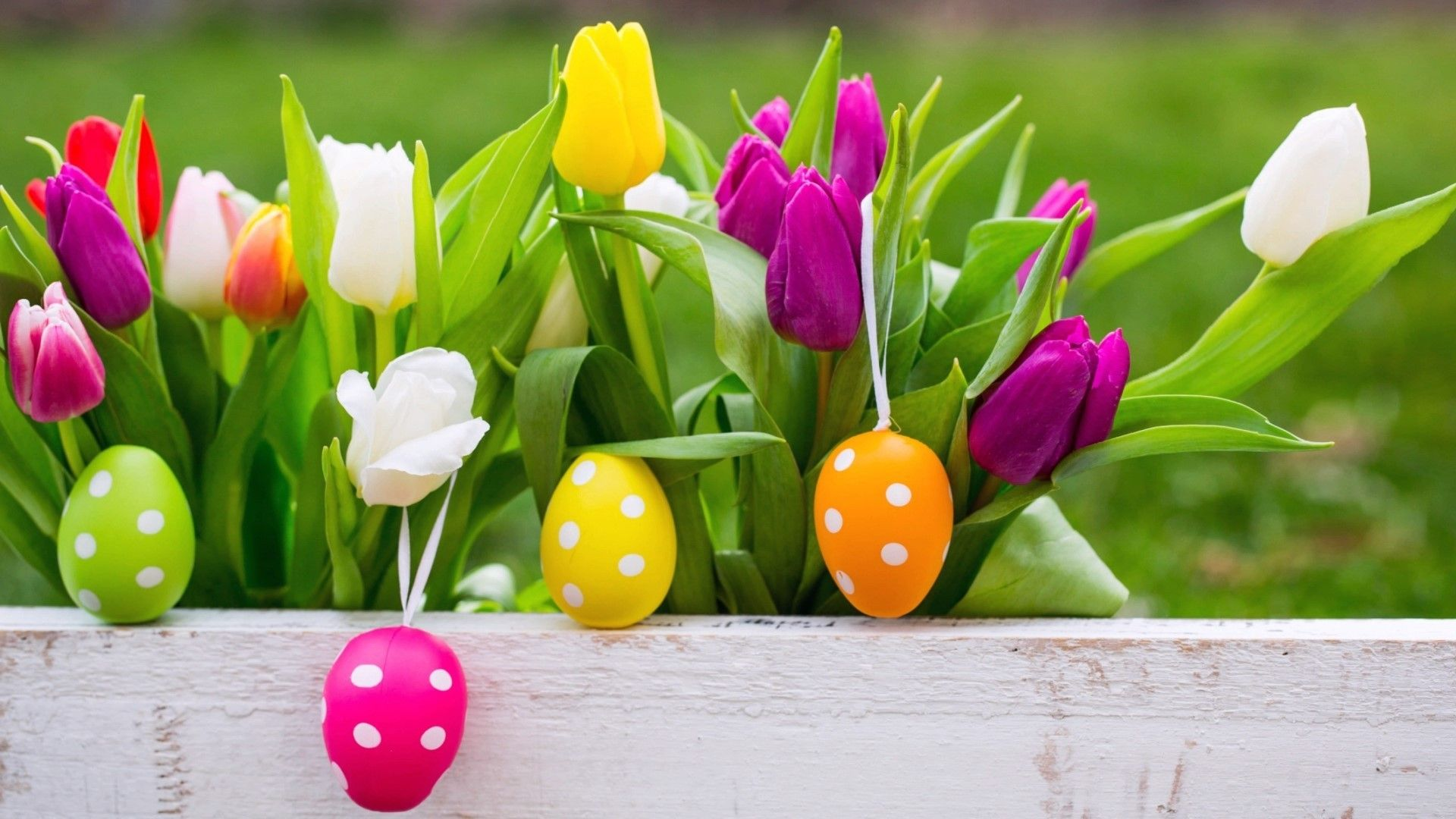 1000 Images About Easter Wallpaper On Pinterest: Easter Eggs With Beautiful Background