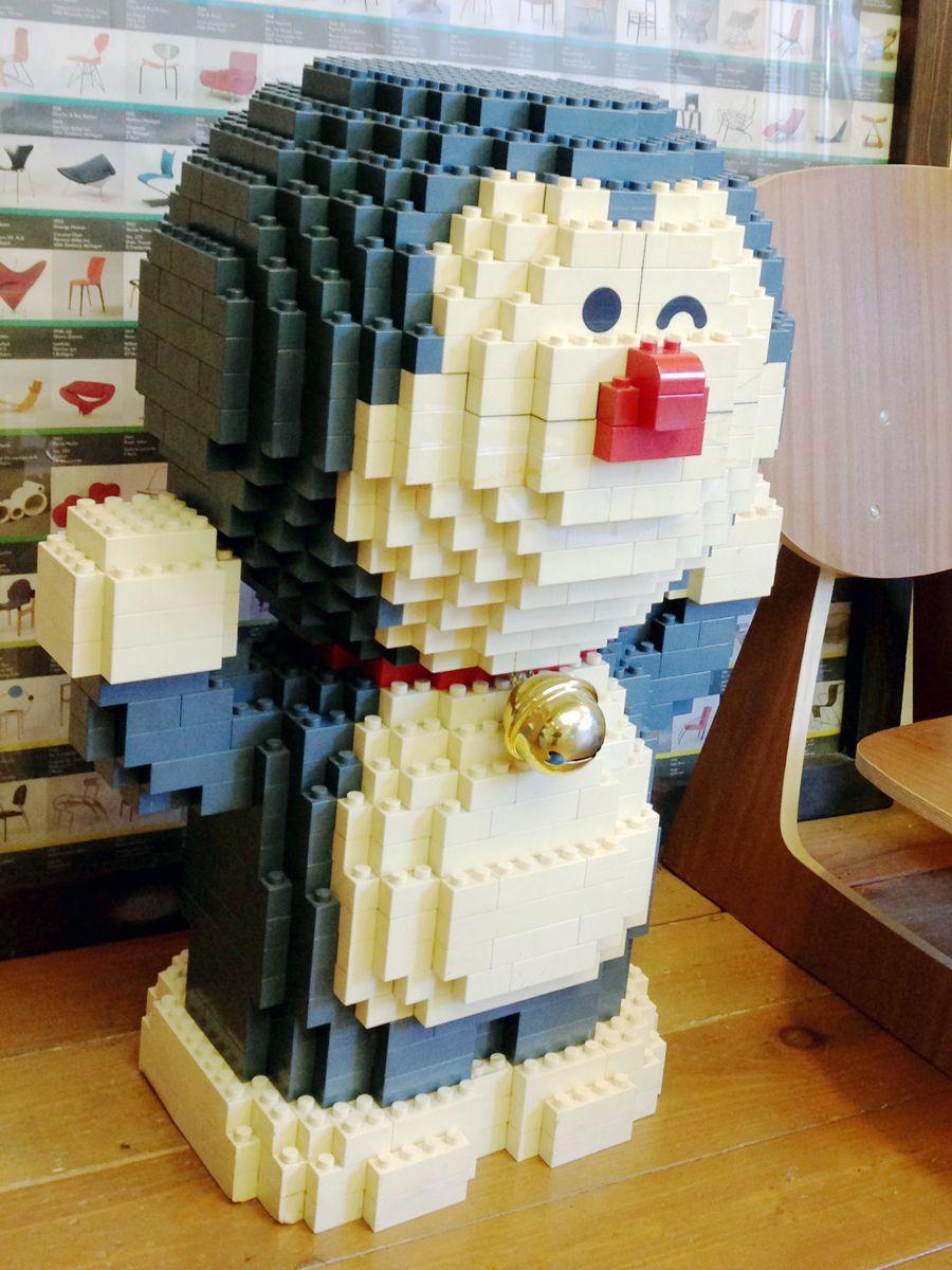huge doraemon made out of lego bricks at tokyo designer gakuin college cool lego creations doraemon cool lego