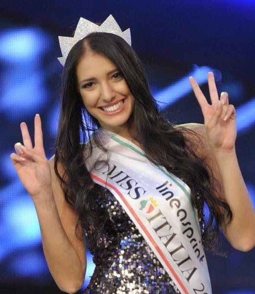 Fashionista Smile: Perché una Miss Italia Non ha Mai Vinto al Miss Universo?