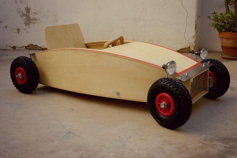 nituniyo coche de madera