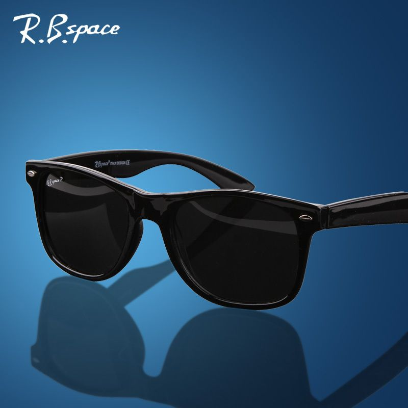 5d63468b48b01 Encontrar Más Gafas de Sol Información acerca de 4105 Unisex moda vintage  Polarizado hombre Gafas de sol clásicas de la marca de los remaches del  metal del ...