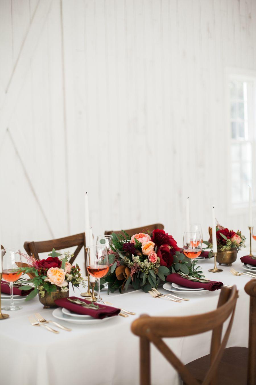 barn wedding, white wedding, red wedding, red flowers, pantone chili oil, russet red, deep red, dark red