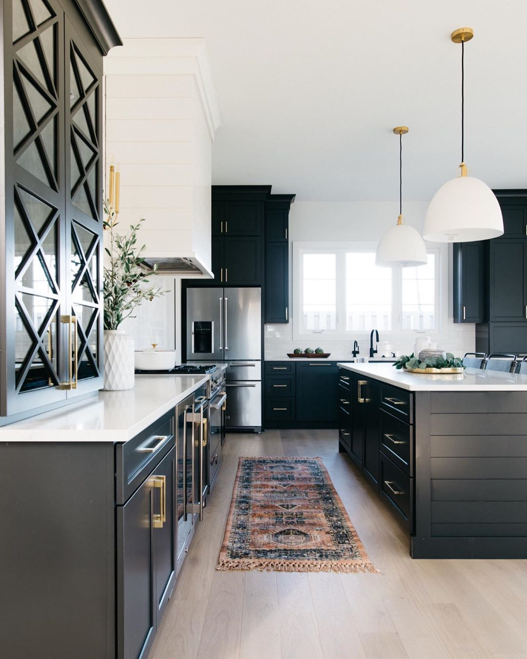 Interior Design Home Decor On Instagram Swipe Left For More Of This Beautiful Kitchen I Can T Beautiful Kitchens Black Kitchen Cabinets Aesthetic Kitchen Beautiful kitchens bedrooms and