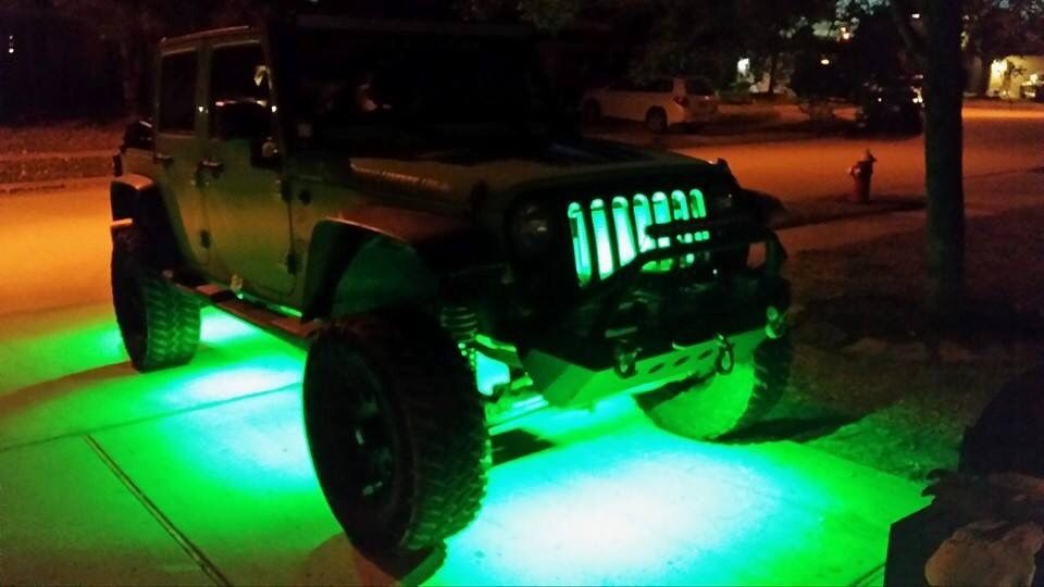 Pleased customer over here! We are NOT kidding when we say our Sui-Rock lights are BRIGHT! #suitech #suirocks #suitechlights #jeep #jeeping #jeepers #jeeplife