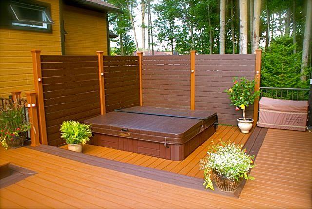 Patio plus patio avec spa int gr backyard reno for Patio exterieur arriere