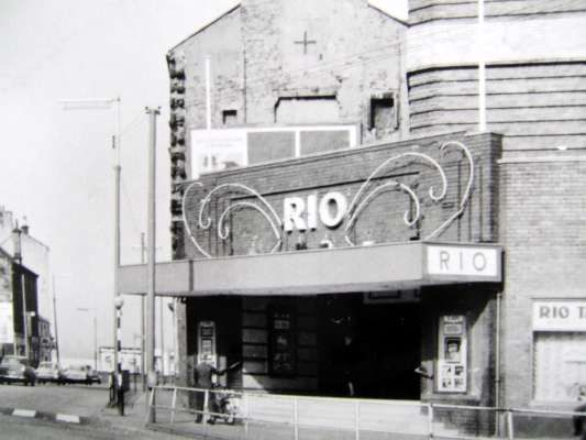 Rio Cinema King Street O 23 9 35 By Suburban Pictures Ltd Arch Cowiesons S 2 017 Sold To P Crerar 5 36 Sold To Cac 6 38 Rutherglen Glasgow Cinema