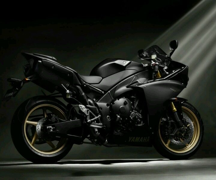 """I dream about this bike... New """"big bang motor"""" Yamaha YZF-R1. the sound is just eargasmic"""