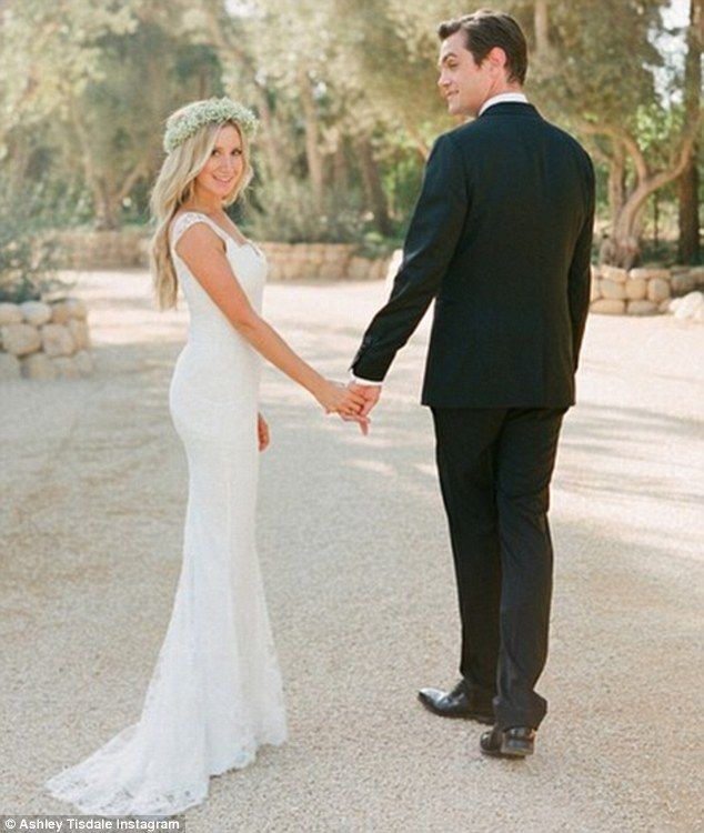 Wedded Bliss Ashley Tisdale Shared A Wedding Photo On Monday One Week After Marrying Celebrity Wedding Dresses Monique Lhuillier Wedding Dress Celebrity Bride