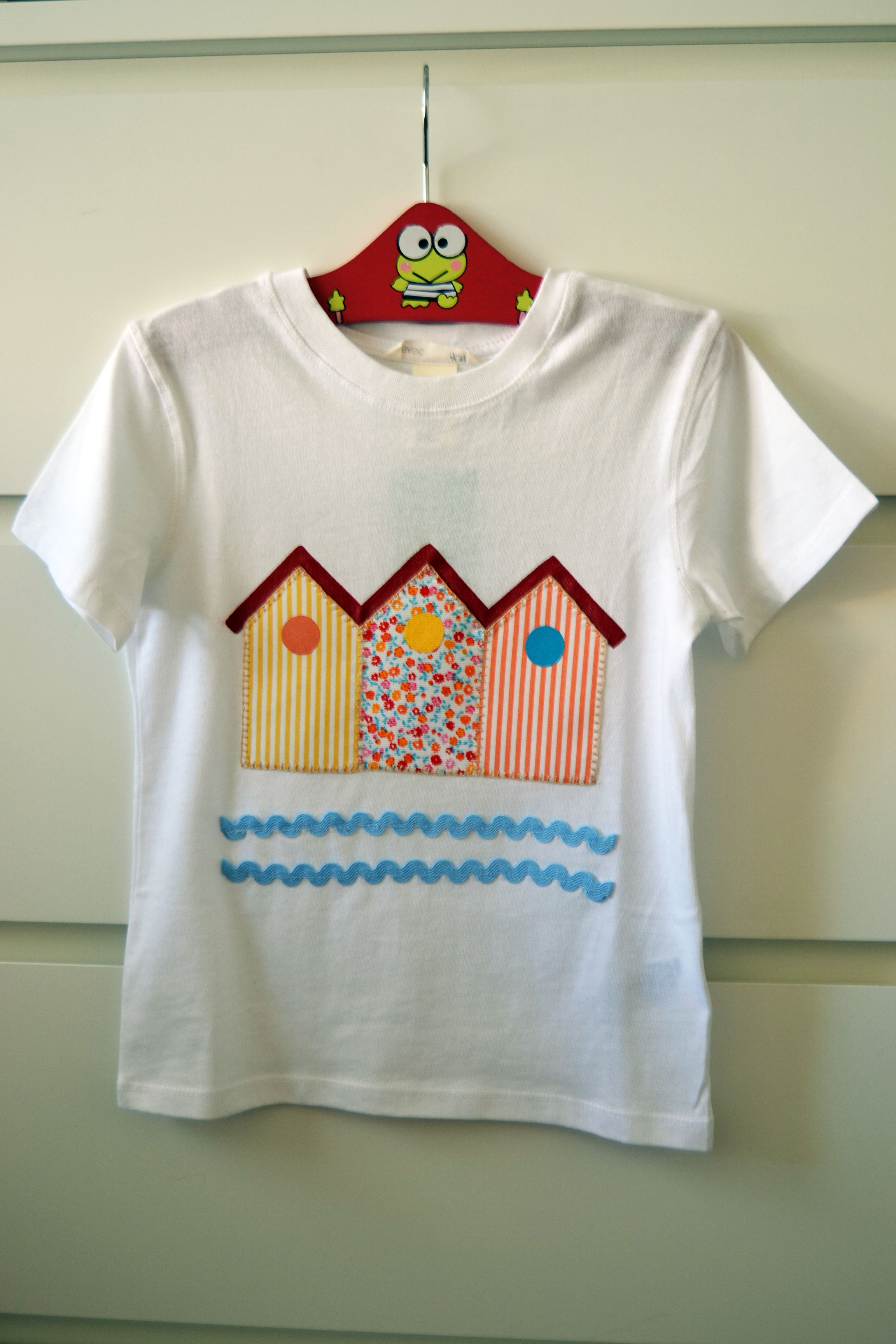 Camiseta Decorada Con Tela Y Pintura Todo Hecho A Mano  ~ Ideas Para Decorar Camisetas Infantiles