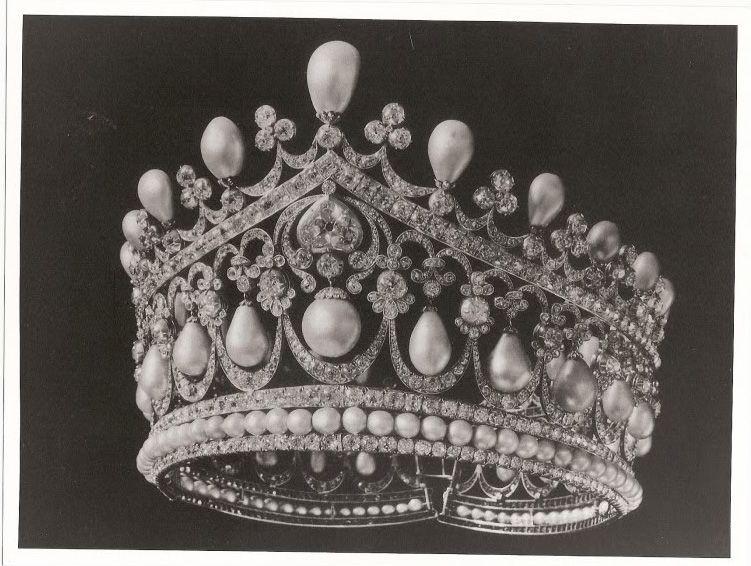 Tiara belonging to Empress Alexandra Feodorovna. Now lost.