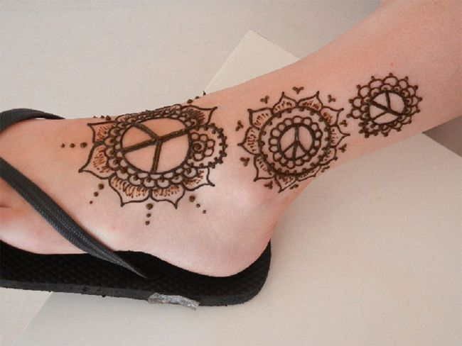 Easy Mehndi Tattoo Foot : Easy ankle mehndi tattoo trend for ladies body mods