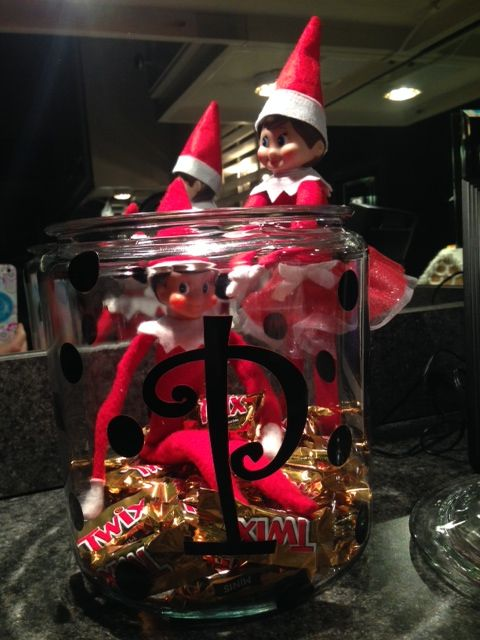 Elf on the Shelf-Skippy and Ginger in the candy jar. www.lifeinbucklesberry.blogspot.com