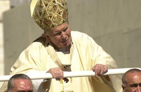 Juan Pablo II :Un Pontífice para un milagro – AB Magazine