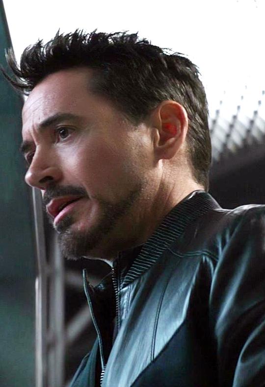 Pin By Golden Avenger On Marvel Iron Man Robert Downey Jnr Robert Downey Jr Iron Man Robert Downey Jr