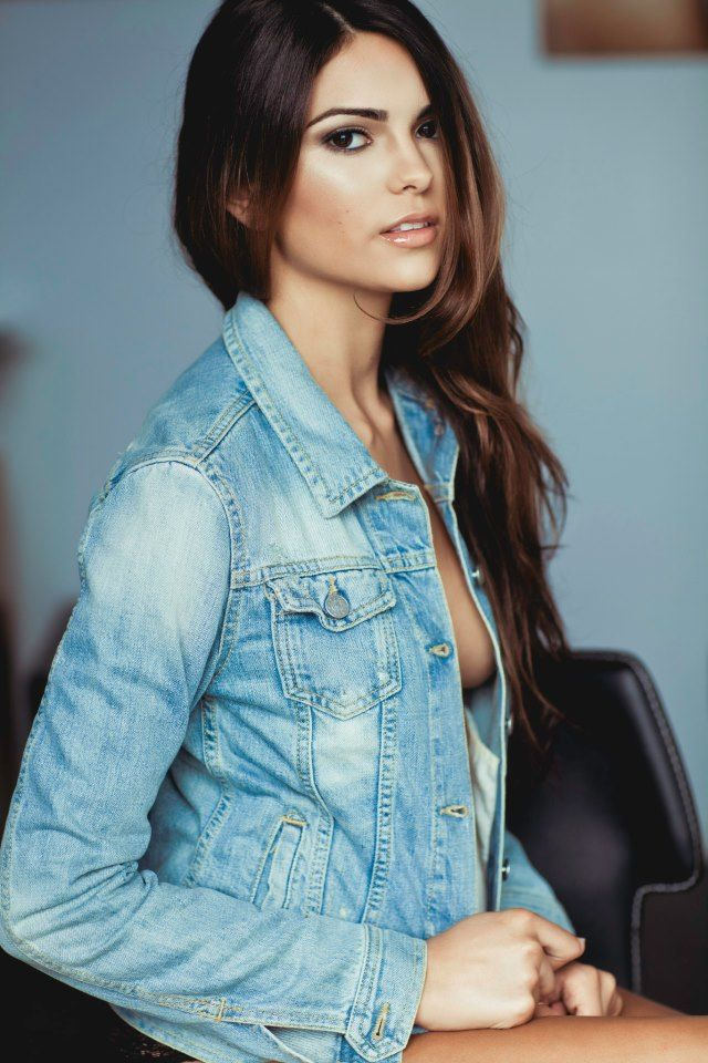 Picture of Kyra Santoro  8f5af2175e7