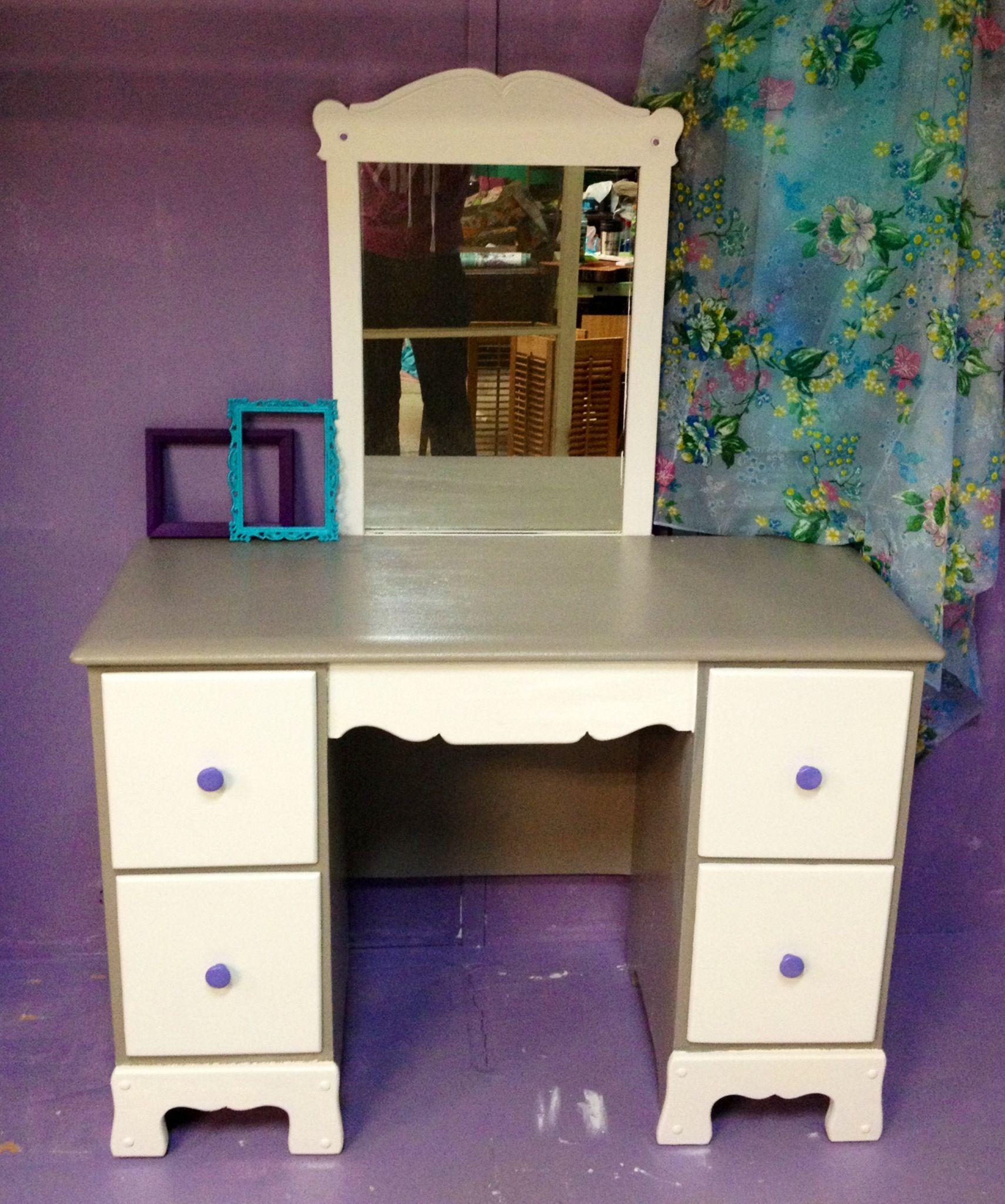antique child 39 s desk turned into vanity for the home diy furniture furniture home decor. Black Bedroom Furniture Sets. Home Design Ideas