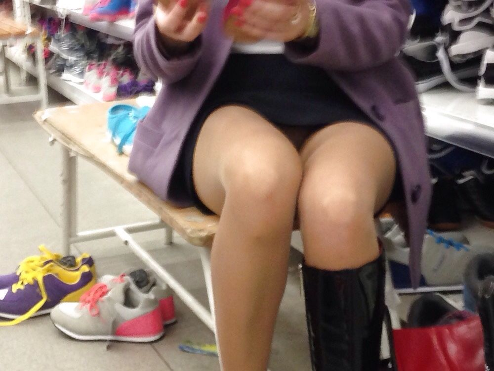 MILF w Nice Ass Shopping for Sneakers