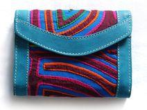 Geldbörse aus Leder mit Mola-Dekor