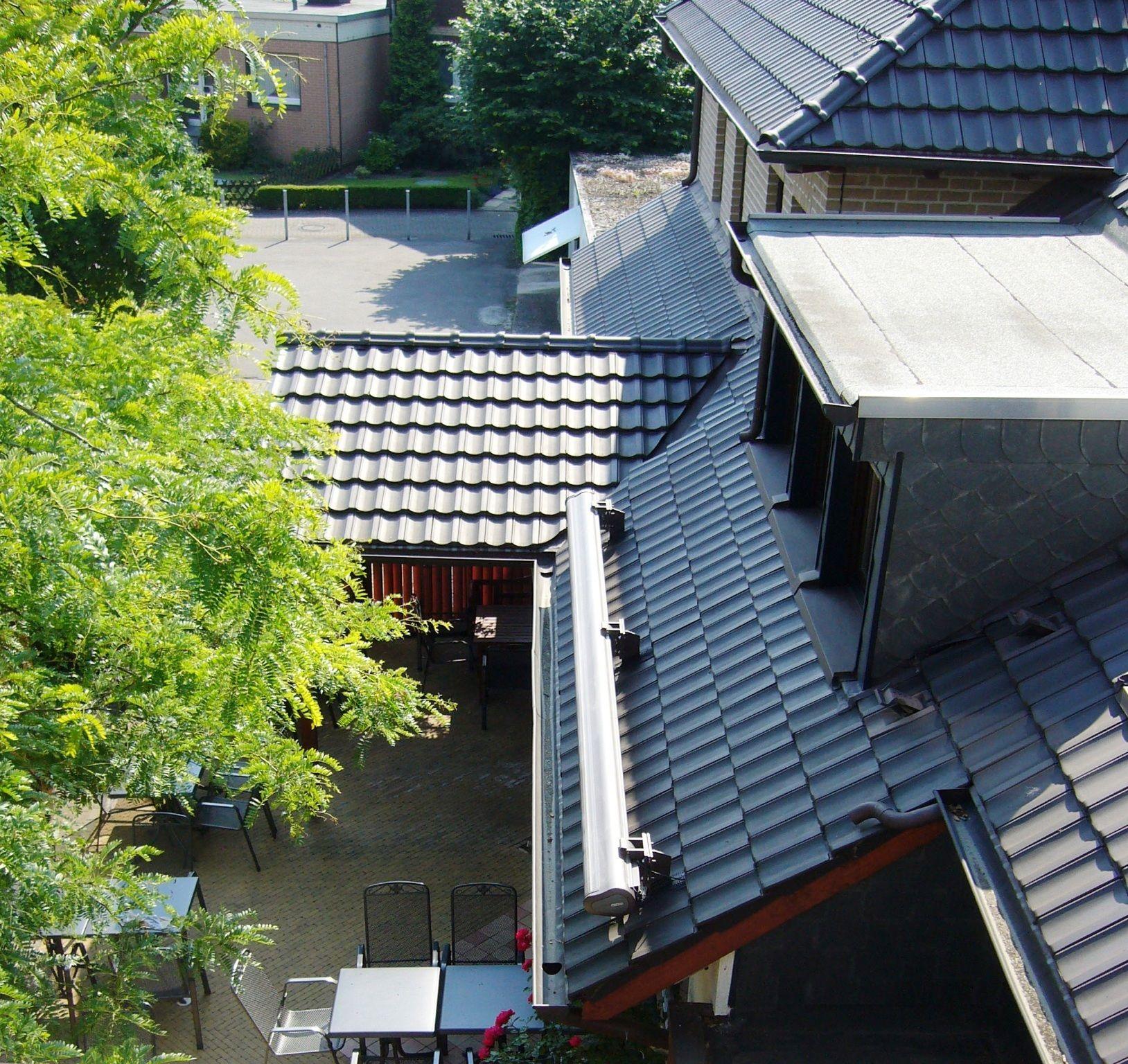Markisenmontage In Den Dachpfannen Eine Aufdachmontage Markisen