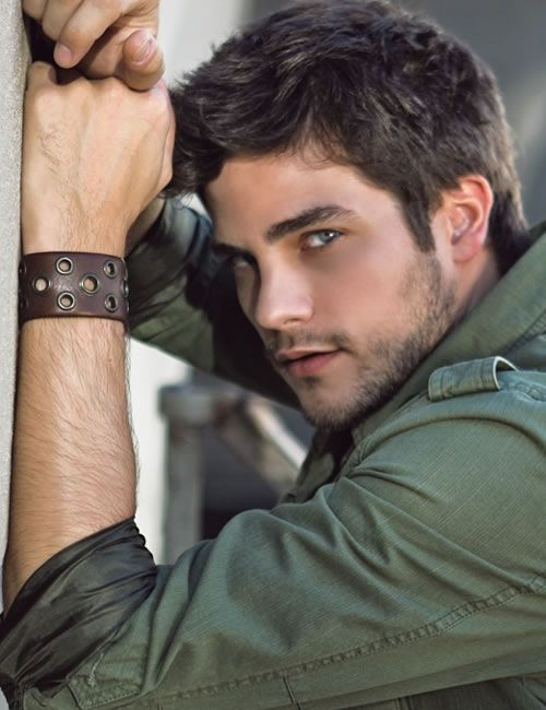 pictures of cute guy vampires | Tall guys with black hair ...