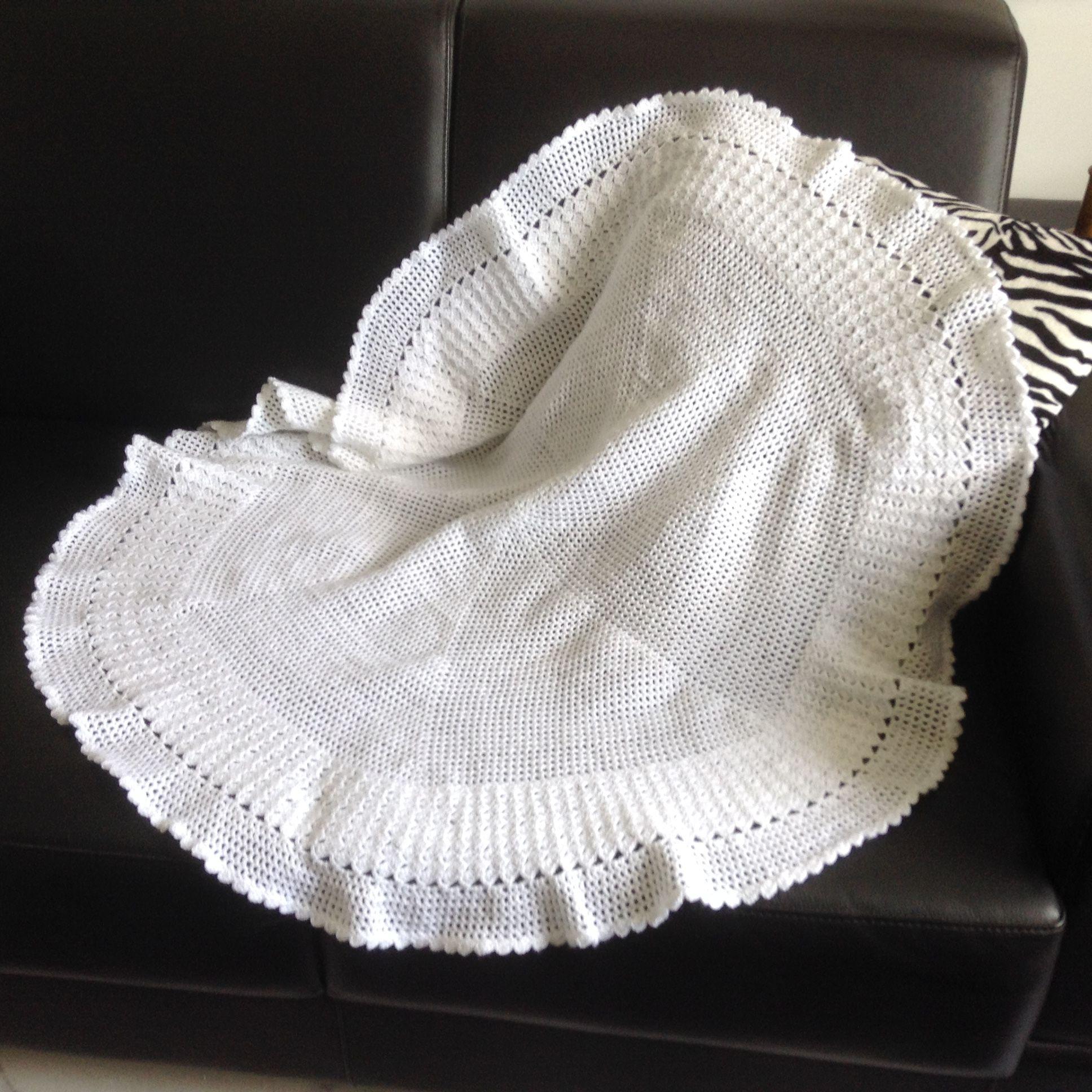 Manta feita de lã Mais Bebê da Círculo. A agulha foi número size E ...
