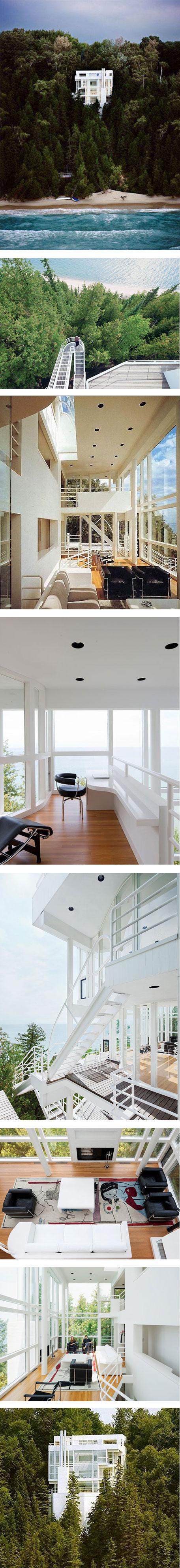A floating house? via Nuji.com