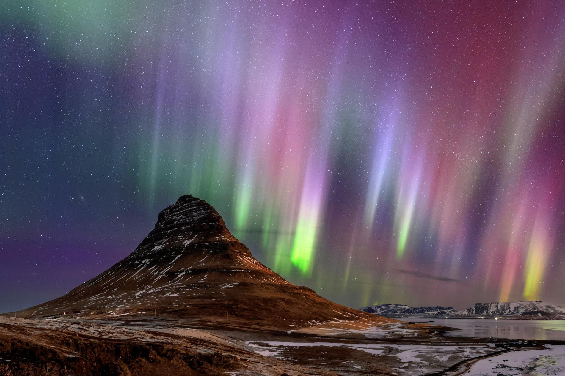 These tips will give you the best shot at experiencing the enchantment of the northern and southern lights.