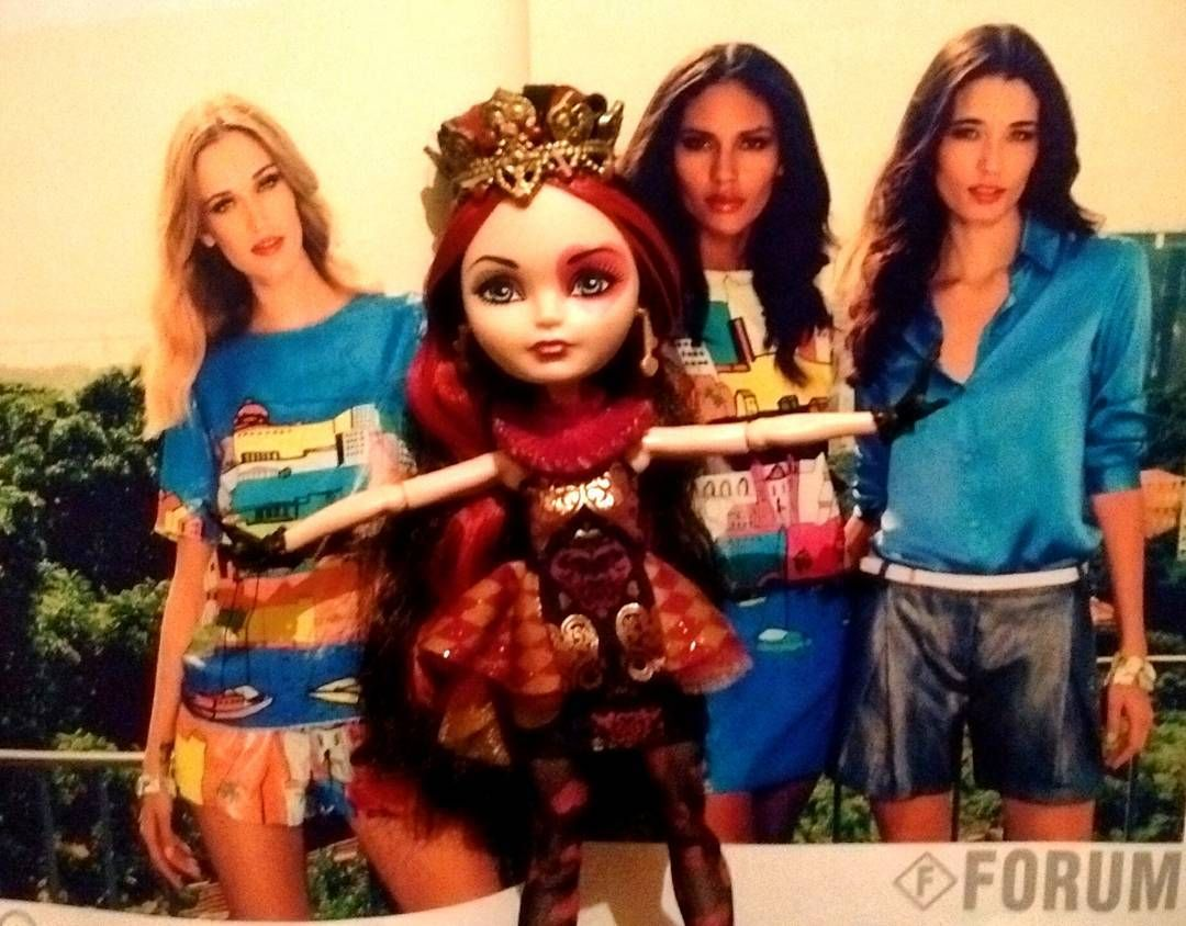 #lizziehearts and a #topmodel crew for #forum campaign #fashion #fashiondesigner #fashionmodel #fashionblogger #fashiondiaries #instamakeup #instafashion #instabeauty #fashiongram #highfashion #anime #otaku #sailormoon  #mylittlepony #actionfigures #funkopop #lego #bjd #blythe #pullip #monsterhigh #barbiecollector #bratz #disneyprincess #everafterhigh by everafter_highfashion