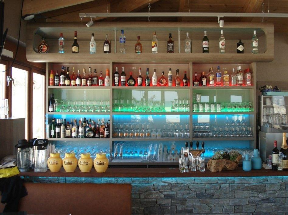 Bar verlichting met led strips   Ledstrips in café, bar of ...