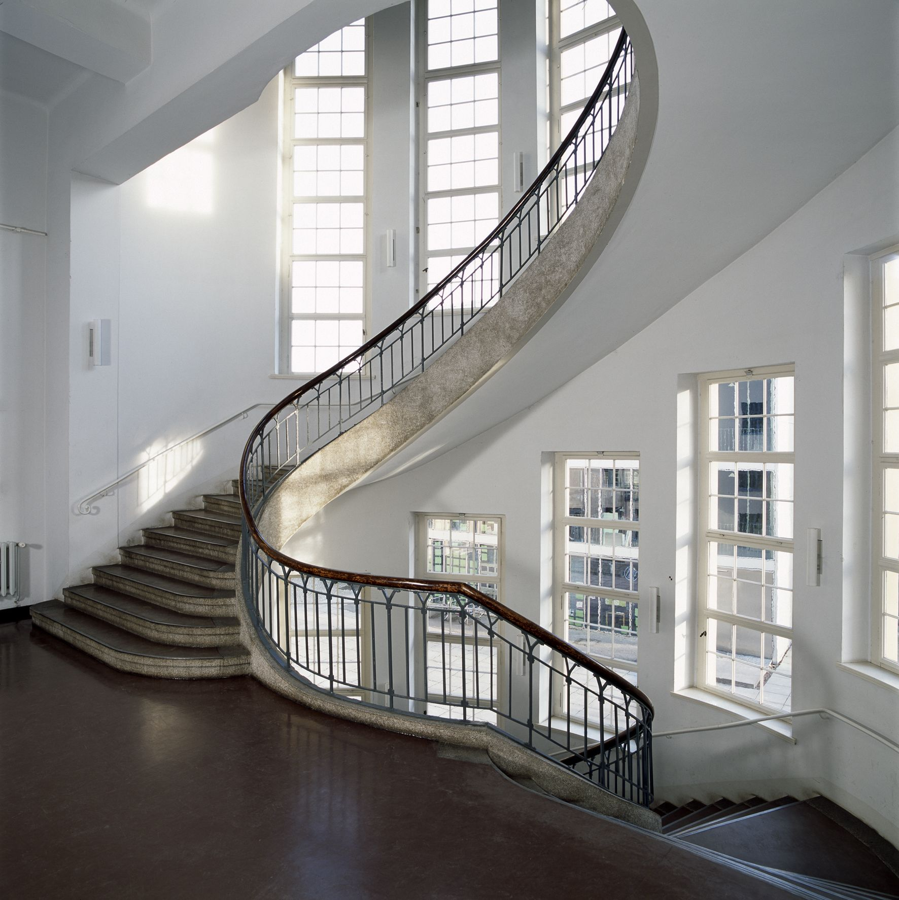 Guide to Weimar Bauhaus architecture, Bauhaus interior