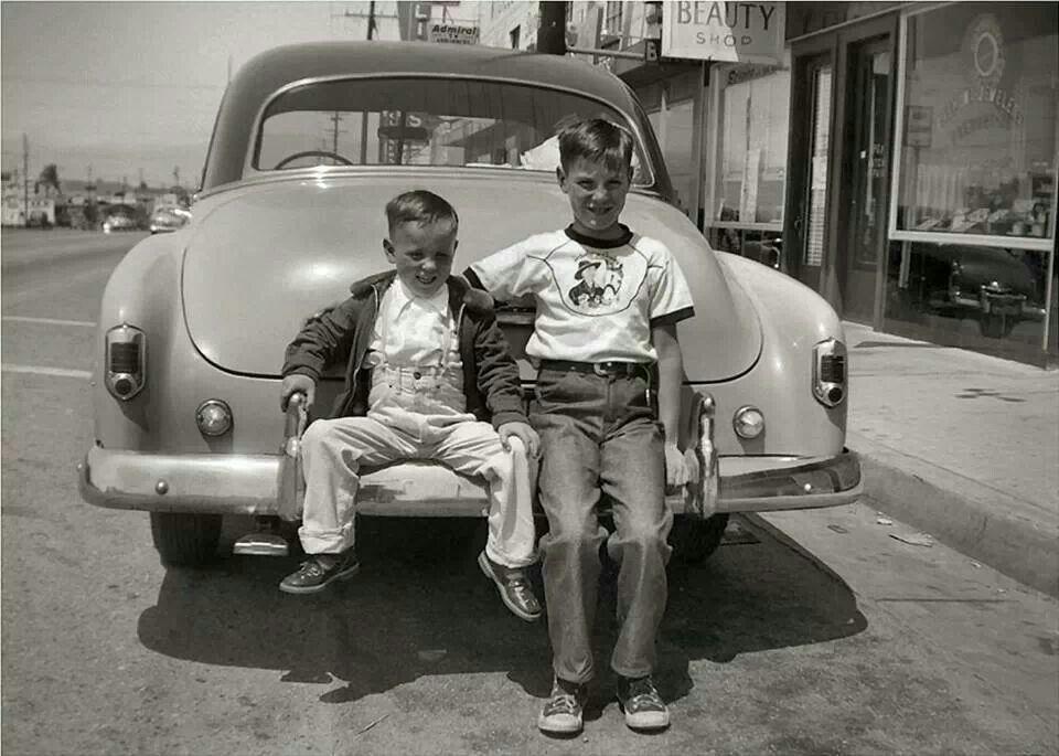 """Résultat de recherche d'images pour """"photo enfant dans voiture des année 1960"""""""