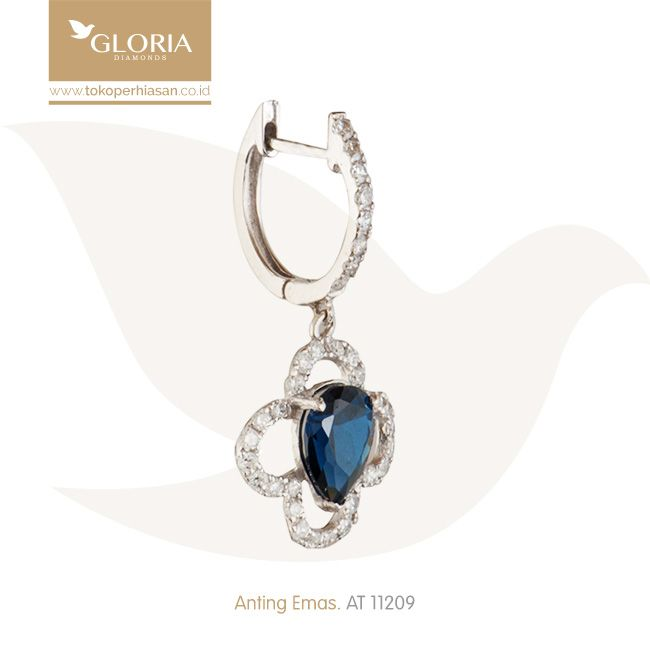 Anting Emas Putih Mata Cubiz Zerconia Putih Biru. #goldearrings #goldstuff  #gold #