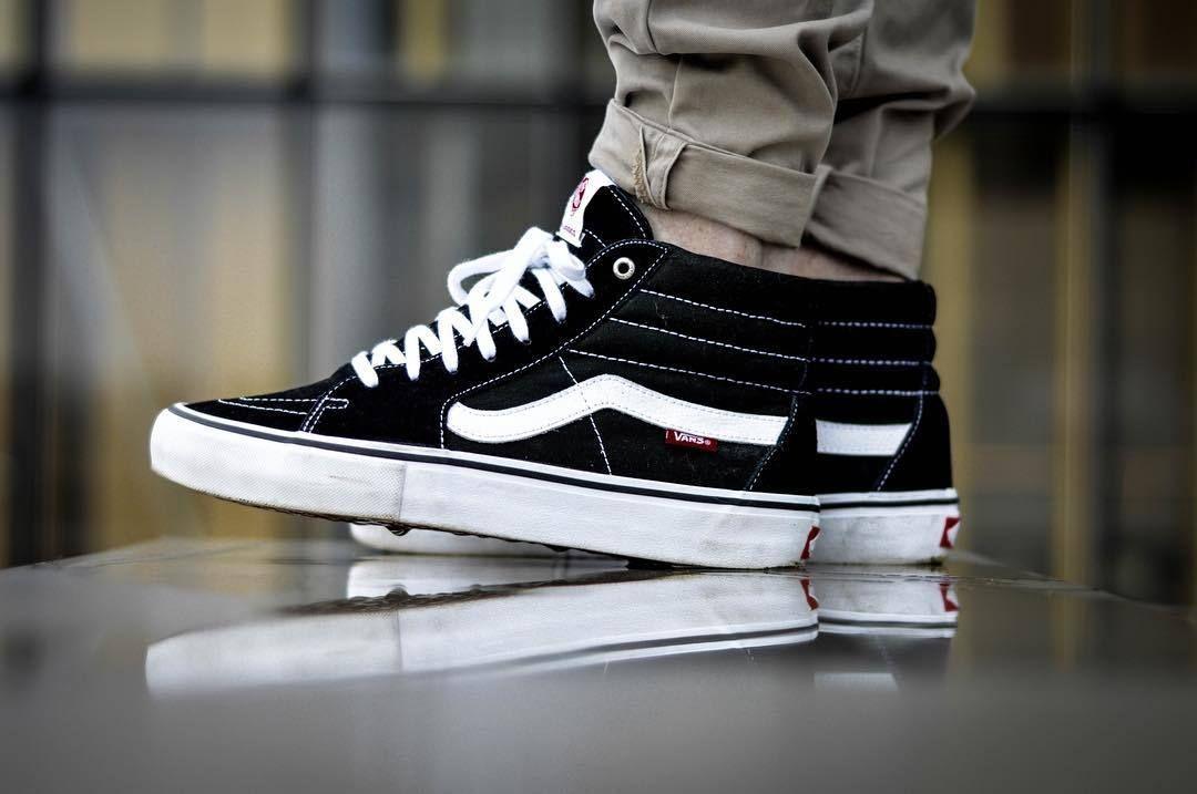 10f4365fac0 VANS Sk8-Hi Unisex Casual High-Top Skate Shoes