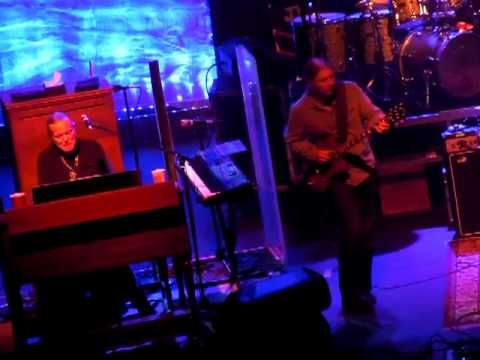 Allman Brothers - Tower Theater - 11/11/10 - YouTube