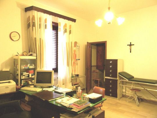A #Messina ci sono molti #oculisti professionisti che lavorano in proprio, ma ci sono anche alcuni centri #medicispecialistici, dove lavorano #oculisti e altri medici, per offrire un servizio a 360 gradi.