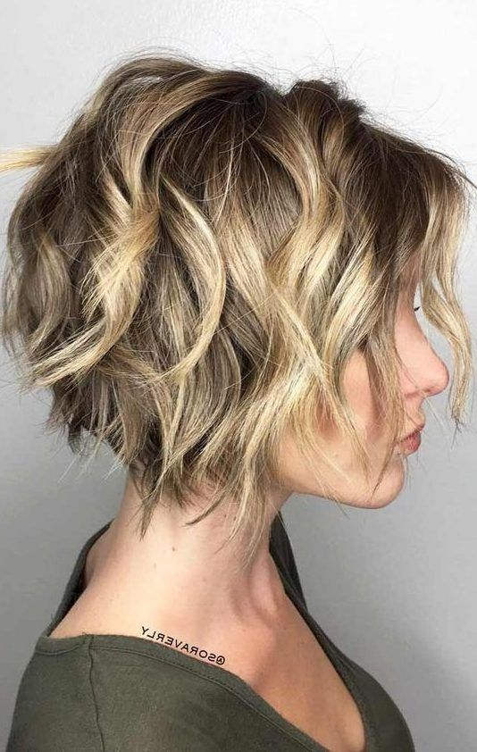 Pin By Erica Moon Wan On Short Hair Hair Styles Wavy Bob Hairstyles Messy Bob Hairstyles